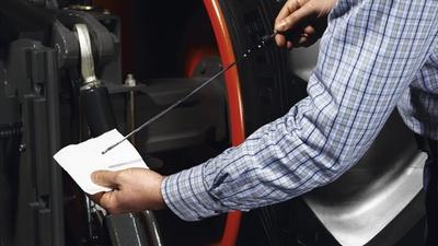 Обслуговування. Обслуживание. Трактор CLAAS ARION 640-620