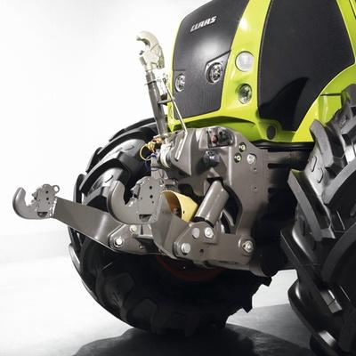 Передня навіска. Трактор CLAAS AXION 850/820