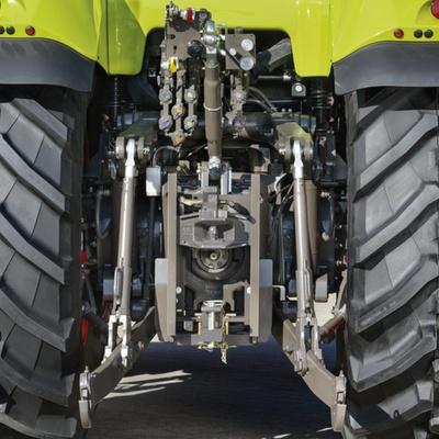 Задня навіска. Трактор CLAAS AXION 850/820